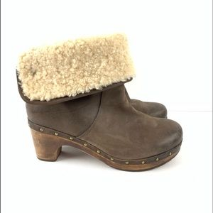UGG Shoes - Ugg Lynnea brown distressed boots wood clog 10